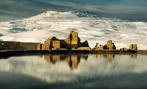 دریاچه گنجینه تخت سلیمان